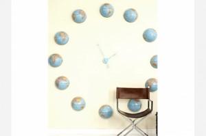 globe-wall-clock-womans-day